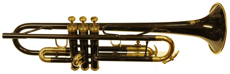 King 601 Trumpet Black Lacquer. Good quality USA made trumpet . Outfit includes good quality woodshell case
