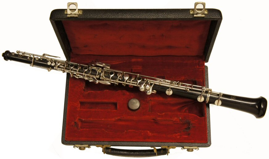 Second Hand Louis Oboe. Good condition. Semi-automatic, Conservatoire system